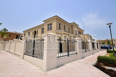 http://www.sandcastles.ae/abu dhabi/property-for-sale/villa/saadiyat-island/6-bedroom/arabian-villas/07/09/2015/villa-for-sale-CH-S-3730/150390/