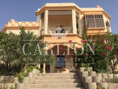 http://www.sandcastles.ae/dubai/property-for-rent/villa/palm-jumeirah/4-bedroom/garden-homes-frond-l/05/09/2015/villa-for-rent-CRL-R-6718/150325/