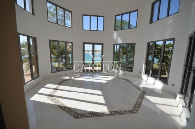 http://www.sandcastles.ae/dubai/property-for-sale/villa/palm-jumeirah/7-bedroom/signature-villas/24/10/2015/villa-for-sale-CRL-S-4958/153811/