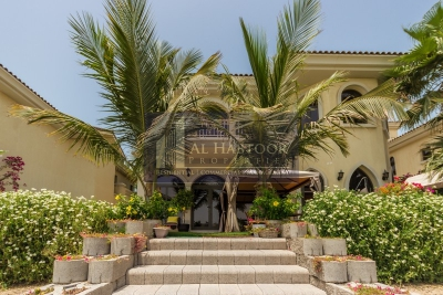 http://www.sandcastles.ae/dubai/property-for-sale/villa/palm-jumeirah/5-bedroom/frond-e/15/08/2015/villa-for-sale-HP-S-3949/148413/