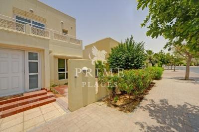 http://www.sandcastles.ae/dubai/property-for-sale/villa/meadows/4-bedroom/meadows-phase-9/30/08/2015/villa-for-sale-PPL-S-2332/149920/