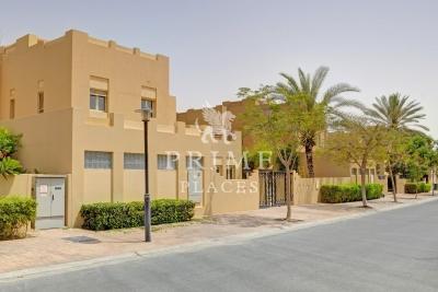 http://www.sandcastles.ae/dubai/property-for-sale/villa/meadows/5-bedroom/meadows-phase-6/30/08/2015/villa-for-sale-PPL-S-2336/149918/