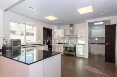 http://www.sandcastles.ae/dubai/property-for-sale/villa/sports-city/5-bedroom/prime-villa/04/10/2015/villa-for-sale-PPL-S-2529/151238/