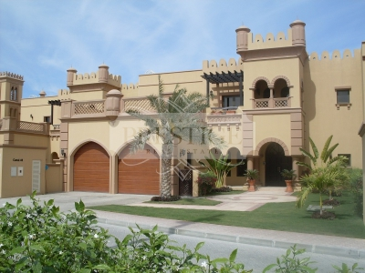 http://www.sandcastles.ae/dubai/property-for-sale/townhouse/palm-jumeirah/3-bedroom/canal-cove-frond-e/04/12/2014/townhouse-for-sale-PRE10142/130573/