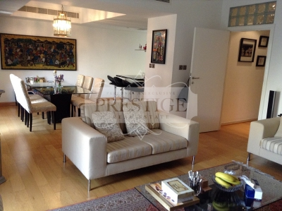 http://www.sandcastles.ae/dubai/property-for-sale/villa/the-lakes/3-bedroom/forat/04/04/2015/villa-for-sale-PRE11422/139747/
