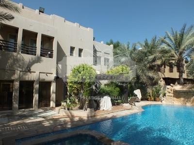 http://www.sandcastles.ae/dubai/property-for-sale/villa/meadows/4-bedroom/meadows/08/04/2015/villa-for-sale-PRE8678/139990/