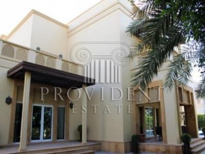 http://www.sandcastles.ae/dubai/property-for-rent/villa/emirates-hills/6-bedroom/villas/15/10/2015/villa-for-rent-PRV-R-2137/152746/