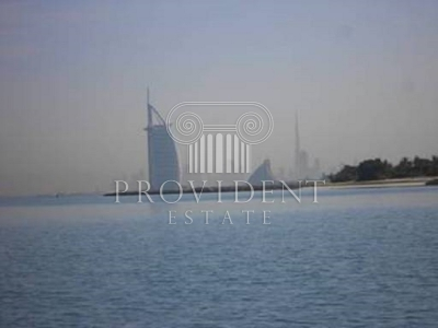 http://www.sandcastles.ae/dubai/property-for-rent/villa/palm-jumeirah/5-bedroom/palm-jumeirah/08/11/2015/villa-for-rent-PRV-R-2973/154604/