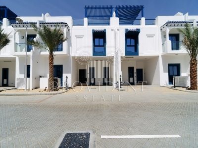http://www.sandcastles.ae/dubai/property-for-rent/villa/palm-jumeirah/5-bedroom/palm-jumeirah/08/11/2015/villa-for-rent-PRV-R-2974/154607/