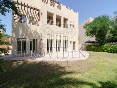 http://www.sandcastles.ae/dubai/property-for-sale/villa/the-lakes/6-bedroom/hattan/15/10/2015/villa-for-sale-PRV-S-3416/153246/