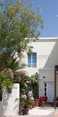 http://www.sandcastles.ae/dubai/property-for-sale/villa/the-lakes/4-bedroom/deema-2/31/05/2015/villa-for-sale-RR-S-1957/143460/