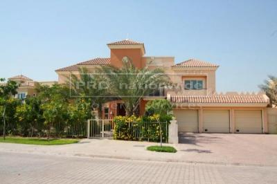 http://www.sandcastles.ae/dubai/property-for-sale/villa/sports-city/6-bedroom/esmeralda/10/07/2014/villa-for-sale-VI1912/116570/