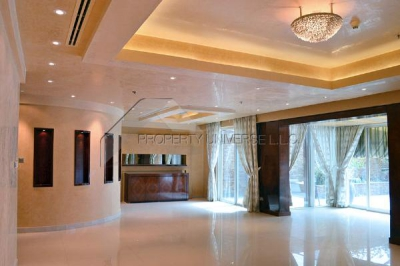 http://www.sandcastles.ae/dubai/property-for-sale/villa/dubai-marina/3-bedroom/la-residencia-del-mar/05/04/2015/villa-for-sale-VI3450/139780/